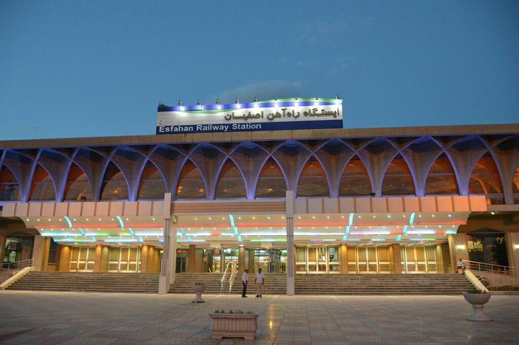 رشد ۱۵ درصدی جابجایی مسافر طی بازه ۱۲ ماهه سال ۹۷ در اداره کل راه آهن اصفهان