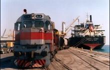 امکان جابجایی کانتینر از طریق راه آهن بین بنادر خرمشهر و امام فراهم شد