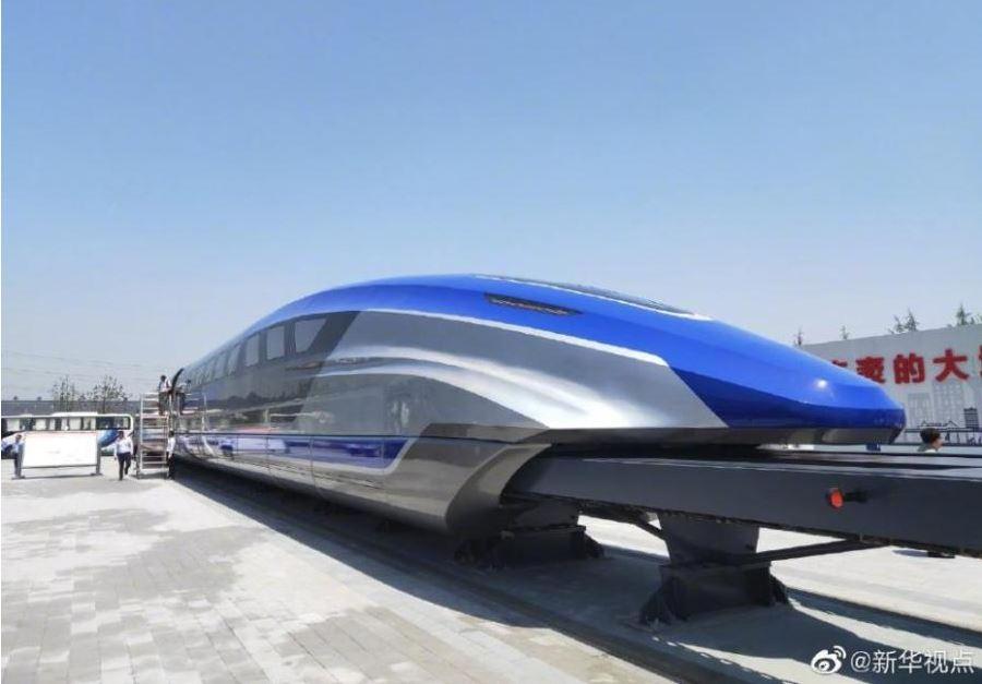 رونمایی از نمونه اولیه قطار مغناطیسی با سرعت ۶۰۰ کیلومتر بر ساعت در چین + تصاویر