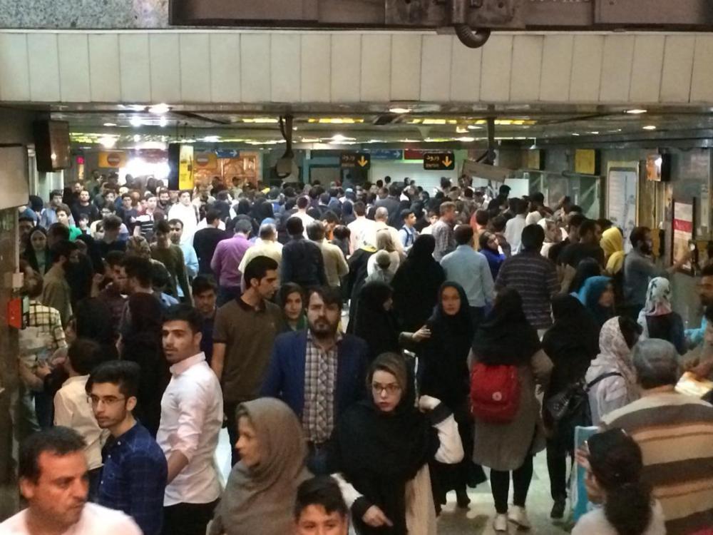 استقبال ميليوني بازديدكنندگان نمایشگاه کتاب تهران از دو ايستگاه مترو