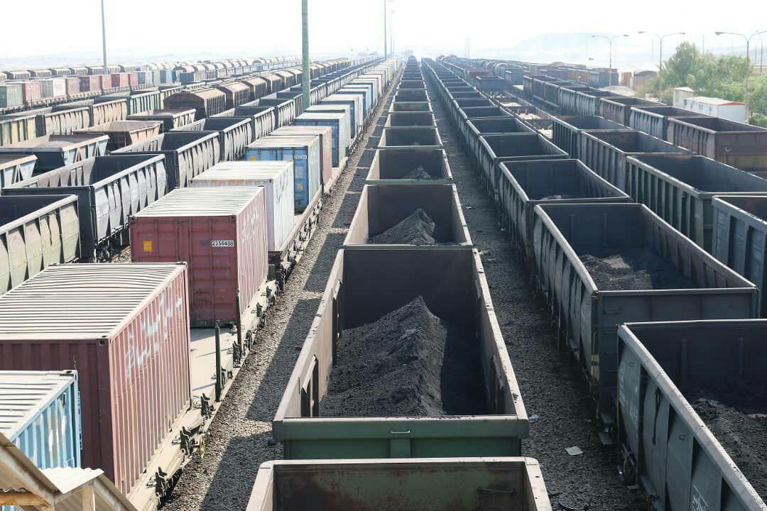 افزایش حمل مواد معدنی گل گهر از طریق راه آهن هرمزگان به ۲۲/۵ میلیون تن در سال