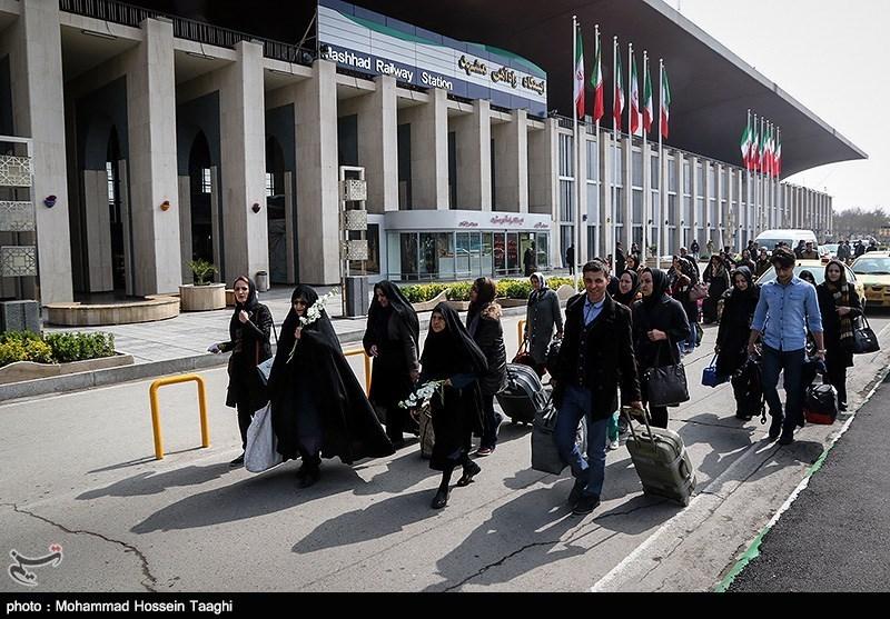 روزانه ۹۰۰ زائر اصفهانی با قطار عازم مشهد مقدس میشوند