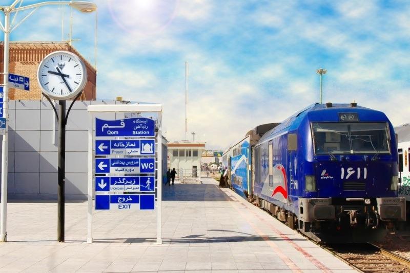 جابه جایی یک میلیون و ۲۰۸ هزار مسافر توسط راهآهن قم طی ۶ ماه