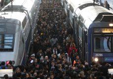فلج شدن حمل و نقل ریلی فرانسه بخاطر اعتصابات سراسری