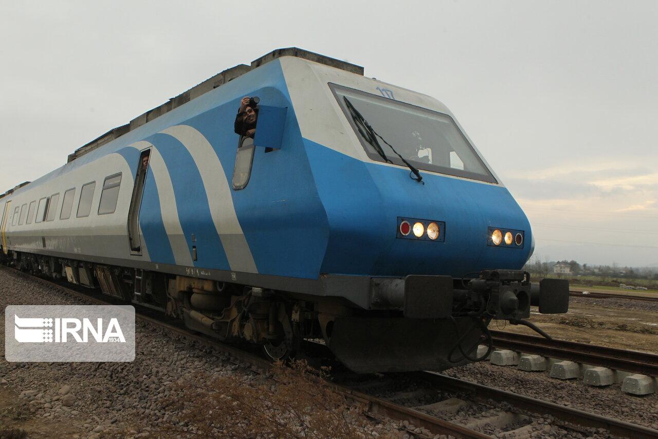 قرارداد بازسازی ۵۵ واگن مسافربری در اراک منعقد شد