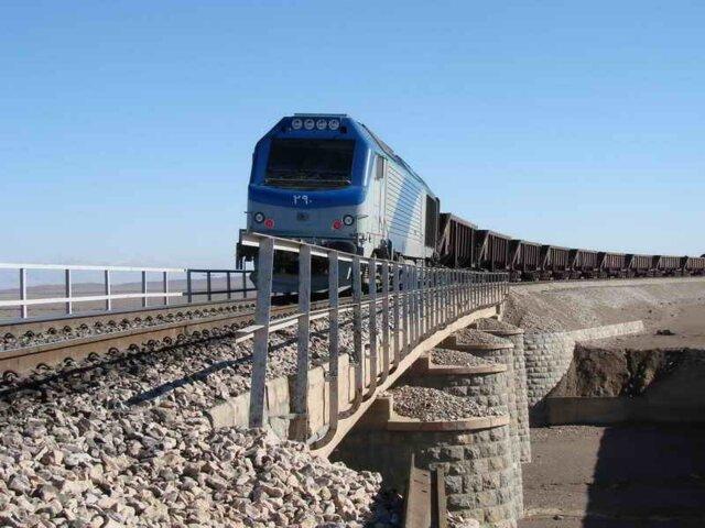 صادرات بیش از ۱۲ میلیون دلاری کالا از راهآهن آستارا