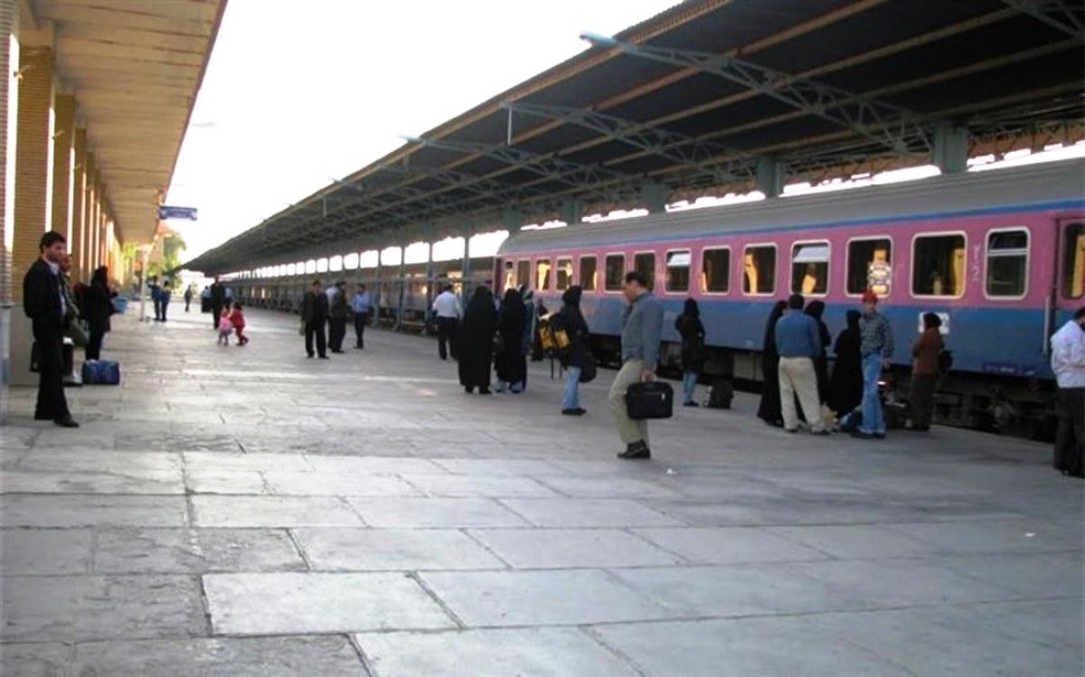 قطار بندرعباس- یزد- تهران مجدد راه اندازی شد