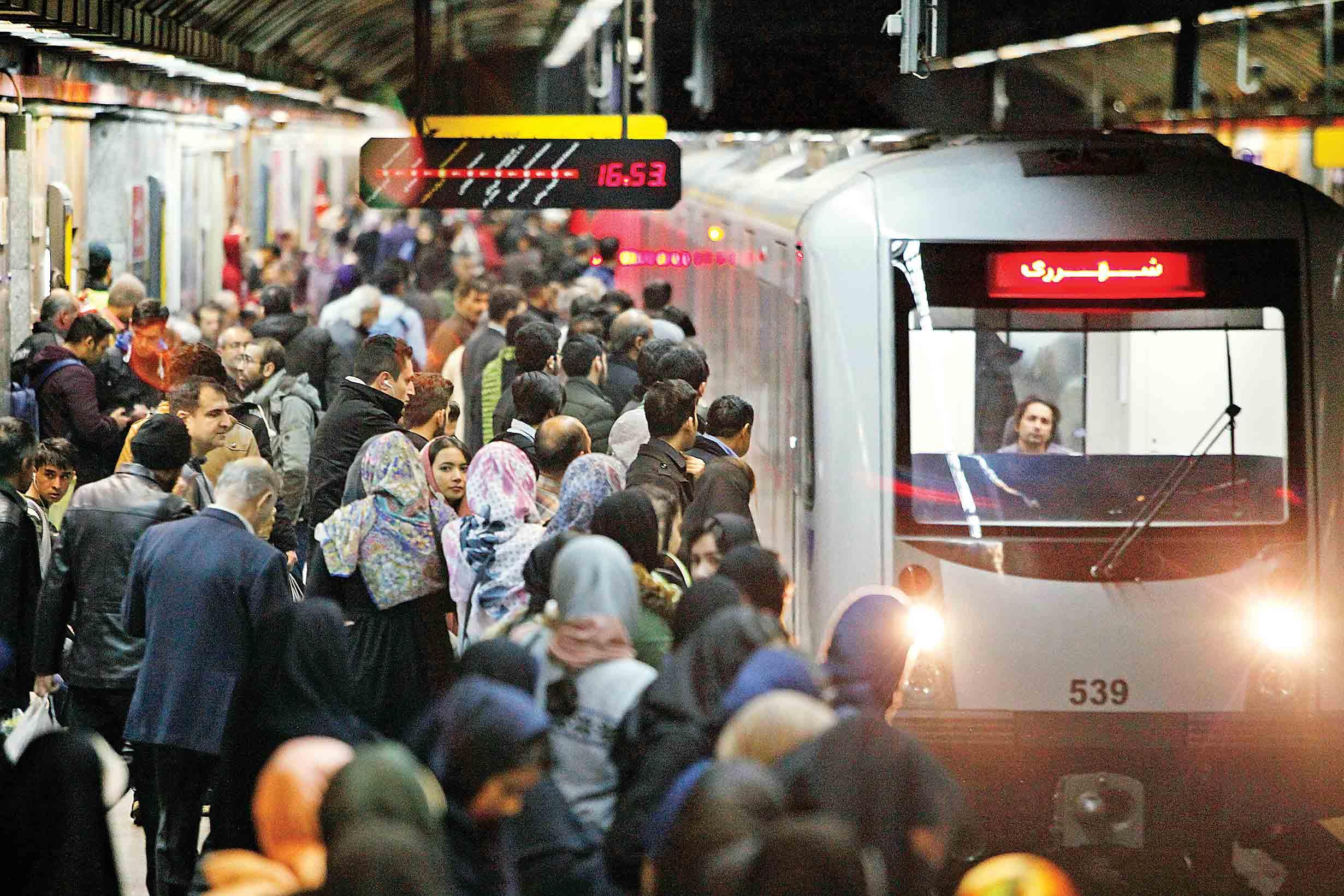 توسعه اتوبوس و متروی تهران پشت سد بانکها
