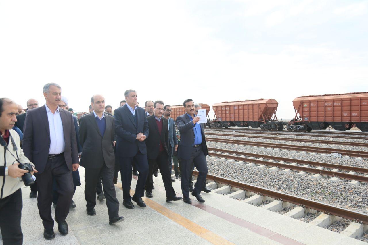 گزارش تصویری / بازدید اسلامی، وزیر راه و شهرسازی و رسولی مدیرعامل راه آهن از مرکز لجستیک مرزی اینچه برون