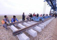 ریل راه آهن اردبیل را وزیر راه می گذارد