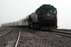 """قطار باری""""بافق – بندرعباس"""" بدون خسارت به مسیر خود ادامه داد"""