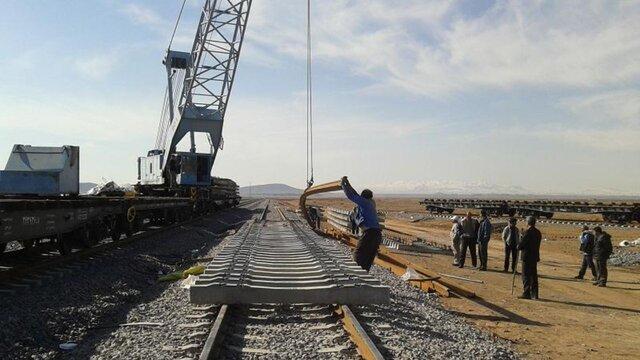 بازسازی کامل خط ریلی «سیریز – زرند» تا سال آینده