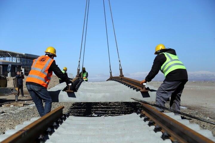 آغاز ریلگذاری ایستگاه جلالآباد کرمان به کارخانه فولاد ایرانیان