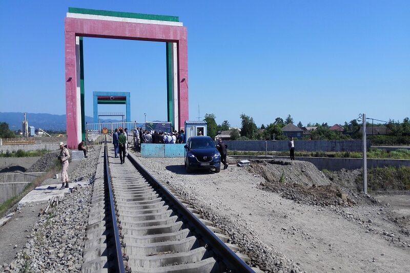 سرمایهگذاری جمهوریآذربایجان در راهآهن آستارا پیگیری میشود