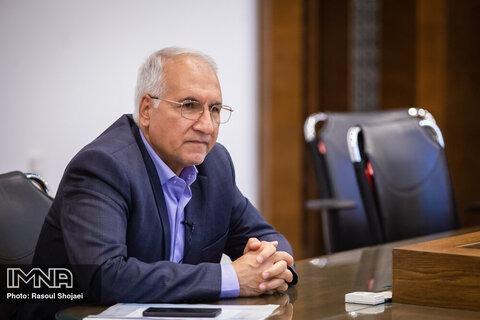 منتظر پرداخت مطالبه ۱۰ هزار میلیاردی کلانشهرها/بازگشت انبوهسازان وسرمایهگذاران به اصفهان
