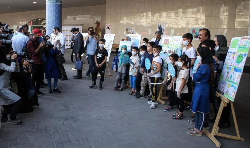 ویژه برنامهچهـار راه کـودک در ایوان انتظار ایستگاه متروی میدان حضرت ولیعصر (عج) برگزارشد