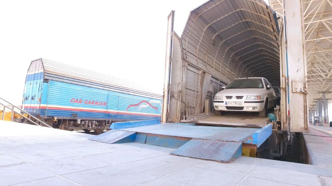 حمل بار رسالت راه آهن است/هیچ مصداقی مبنی براحتکار خودرو توسط اداره کل راه آهن فارس وجود ندارد
