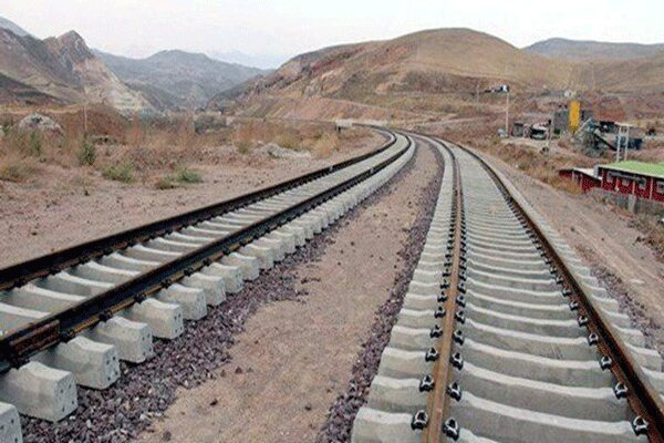 پروژه راه آهن چهارمحال و بختیاری در سه نقطه در حال اجرا است