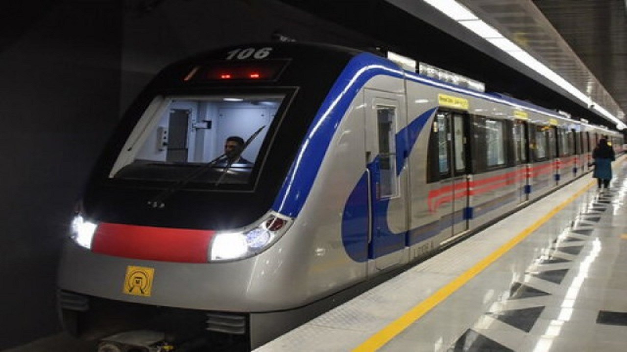 کاهش یک دقیقهای سر فاصله زمانی خط یک قطار شهری از شنبه