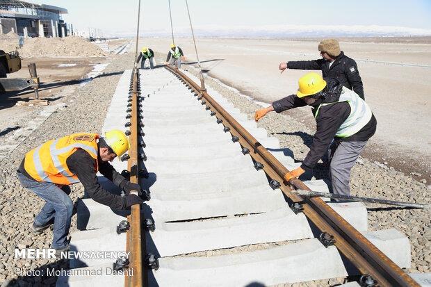 یک ماه حق بیمه کارگران ابنیه فنی راهآهن ناحیه اراک واریز شد