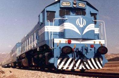 قطارهای مسافربری با نصف ظرفیت به مشهد میآیند
