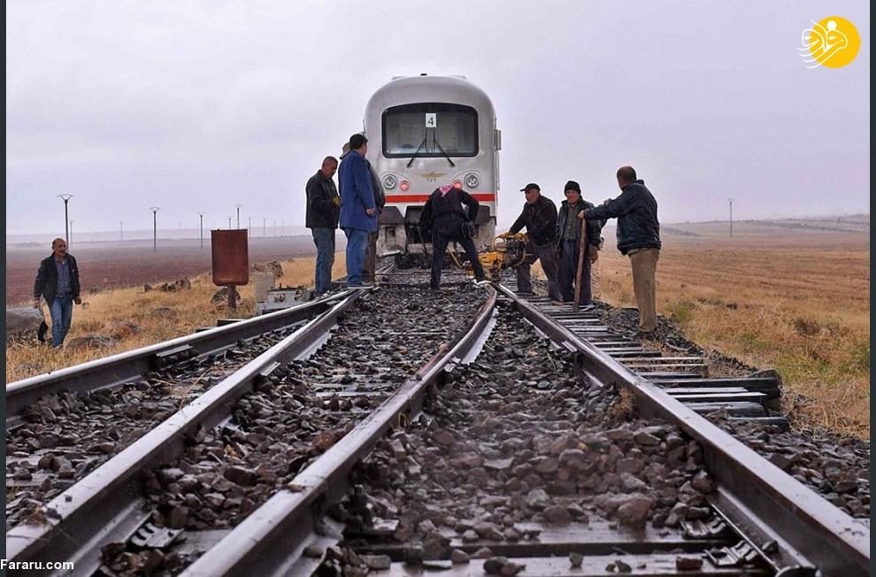 ترمیم خط راه آهن ادلب به حلب