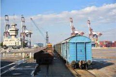 رشد حمل و نقل ریلی کالاهای اساسی در بندر امام خمینی
