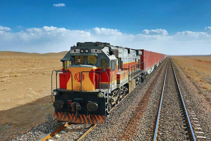 هدفگذاری برنامه ششم توسعه در حمل و نقل ریلی محقق نشد / چرخش به ریل، راهبرد پیشرفت حمل بار در کشور