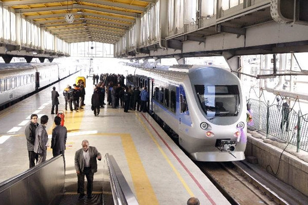 اتصال زیرزمینی ایستگاه راه آهن تهران به مترو