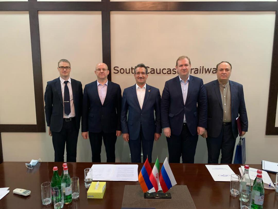 امضای تفاهمنامه ایران و ارمنستان برای فعال کردن مسیر ریلی دو کشور از طریق نخجوان/ تکمیل مسیر ریلی کریدور شمال-جنوب از طریق ارمنستان
